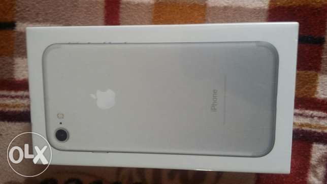 I phone 7 silver new