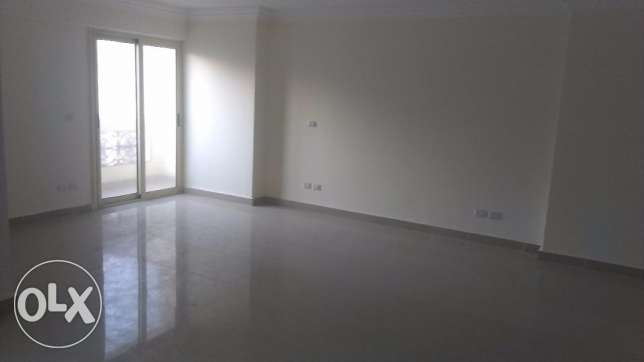 A perfect first housing unfurnished apartment 150 sqm open view