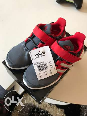 Authentic brand new Adidas shoes الدقى  -  3