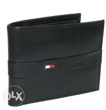 Tommy hilfiger wallet original from usa for 700 LE with leather box