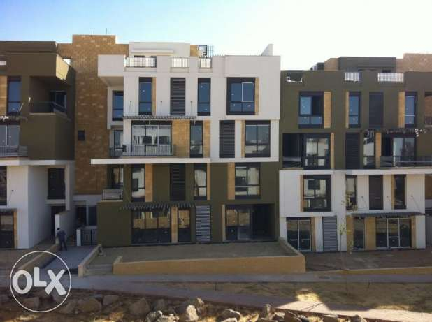 penthouse for sale in west town Sodic 253 sqm good location الشيخ زايد -  1