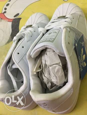 Adidas mirror of original shoes white size 39 made in vietnam.