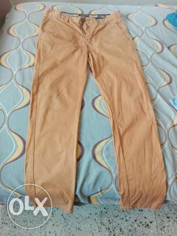 Young man skiny fit pants