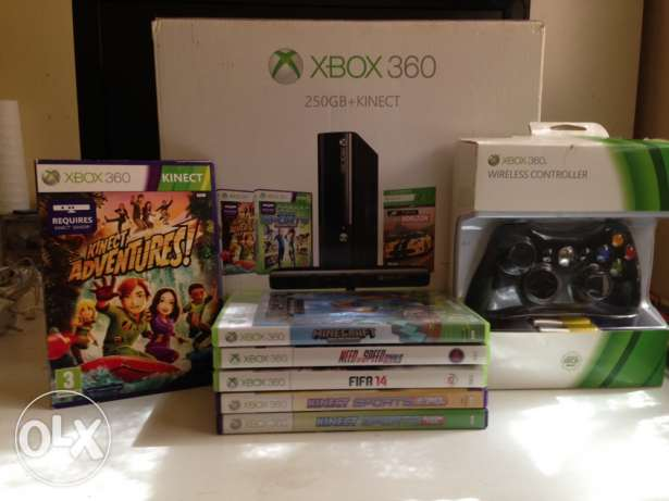 Xbox 360 250 gb two controllers Kinect 7 games