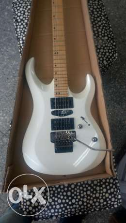 Cort x6 floyd rose like new with case