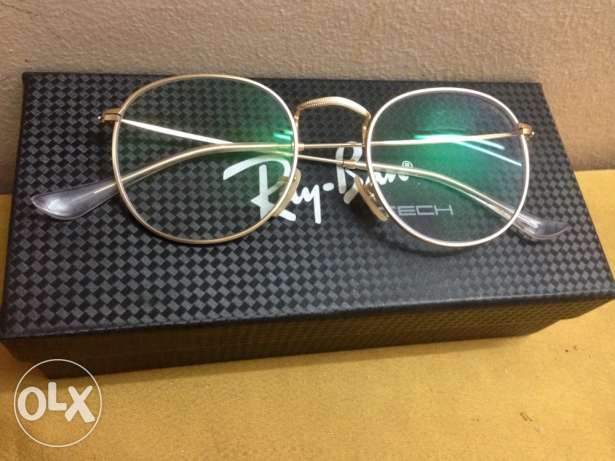 Eyeglass  color thahaby
