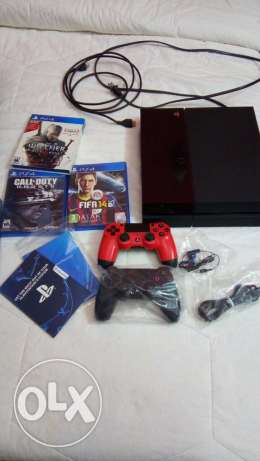 playstation 4 + new Extra controller + 3 games