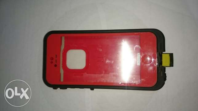 iPhone 5/5s LIFEPROOF Cover. حلوان -  7