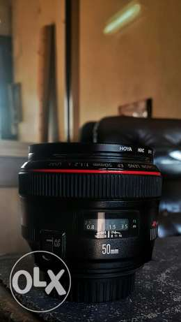 Selling Canon 50mm f/1.2 with the box