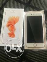Iphone 6s Rose gold 16GB, looks new with minor crack on the screen