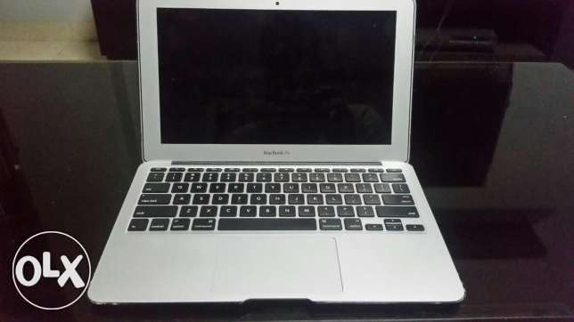 Macbook air Core i5 Mid 2011 as new with accessories