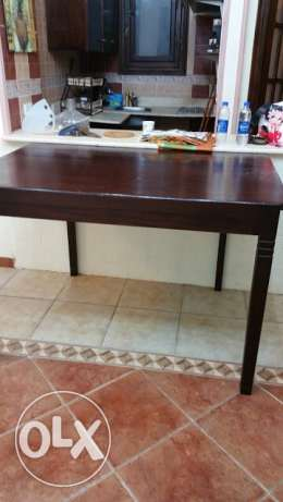 Wood Zan , table