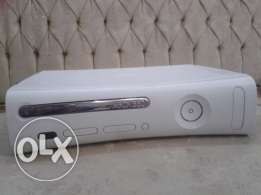 Xbox 360 live(online) From Germany plus 4 original gamesوارد الماني