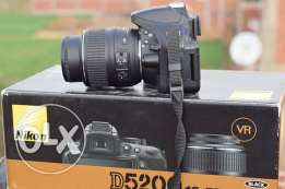 nikon d5200 .+18.55vr2. shutter 9k only .and bag fancier professional