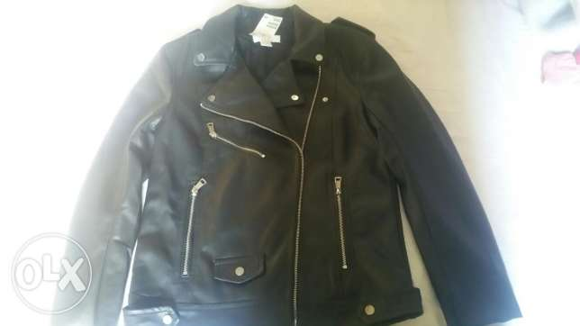 Black leather-jacket its size 36 سيدي بشر -  1