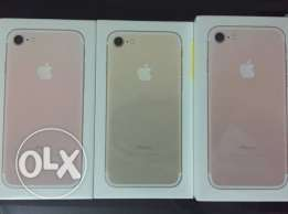 Iphone 7 32 G.B Gold & Rose Gold Sealed