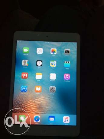 ipad mini 16G wifi very good condition يحتاج تغير باغة