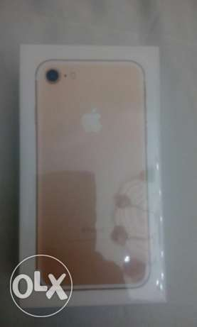 Iphone 7 128 gold شيراتون -  1