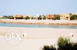 Ground Floor Apartment For Sale in Elgouna - Lagoon & Pool Front
