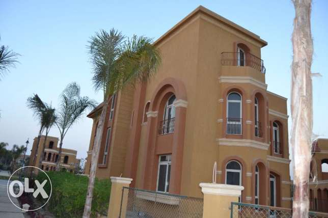 Villa for sale within West Gate compound