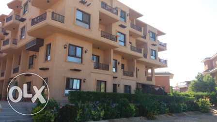 flat in compound on the beach direct الغردقة - أخرى -  2