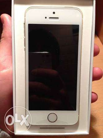 Apple Iphone 5s 32g Silver مدينة دمياط -  1