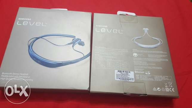 Samsung u level white 550 and blue black 600 القاهرة الجديدة -  1