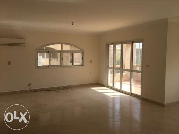 Apt For Rent at Beverly Ph1 الشيخ زايد -  4