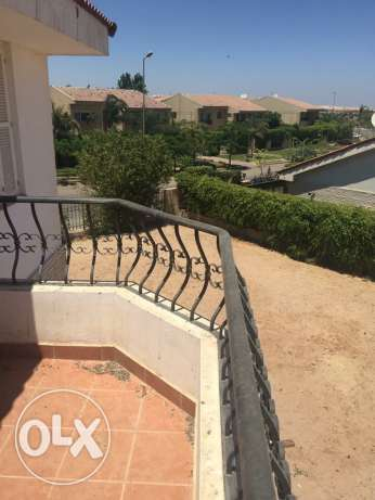 Stand alone villa for rent in el rabwa compound Land 1000 m