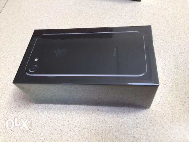 1550Apple iPhone 7 With FaceTime - 128GB, 4G LTE, Jet Black..new&seale