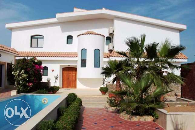 Villa for Sale directly at the private beach in Hurghada