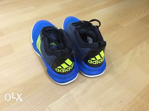 adidas original sports shoes