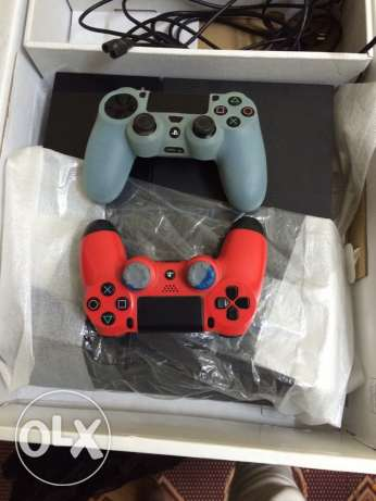 ps4 + 2 controllers + fifa 15 طنطا -  1
