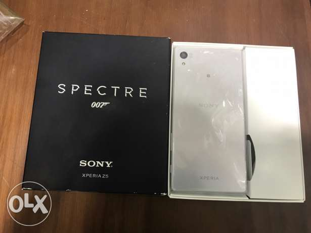 Sony Xperia Z5 New Not Used With all accessories / White Silver