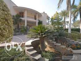 Villa located in 6 October for sale 400 m2, 4 bathrooms, 3 bedrooms,