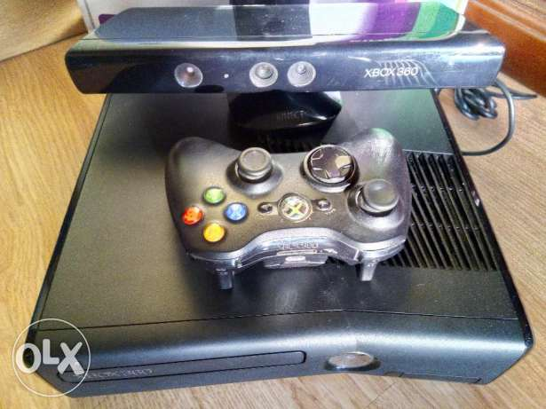 Modded XBox 360 4GB with Kinect