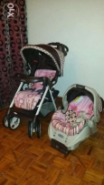Graco travel system stroller and carseat and base of carseat like new