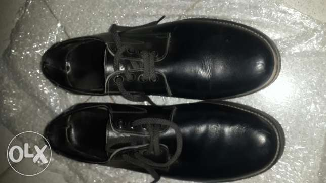 Black formal shoes with suspention systemجزمة سوداء