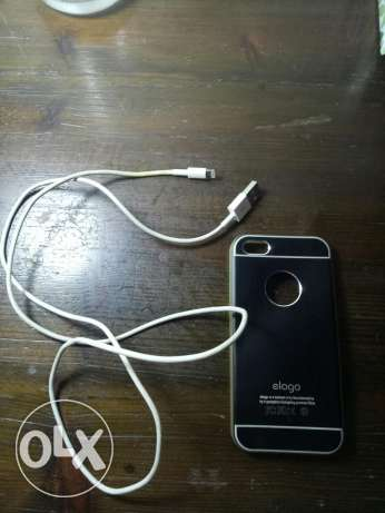 IPhone5 cover & charger cable