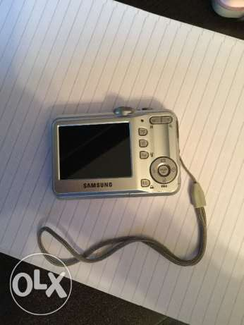 Samsung silver digital camera S760 وسط القاهرة -  2