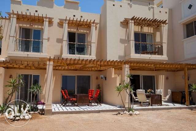 2 bedroom apartment beach front