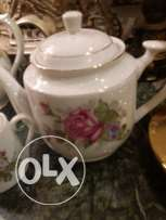 old tea set very light ( 10 cups+ their plates+milk jar+ tea jar+ sug