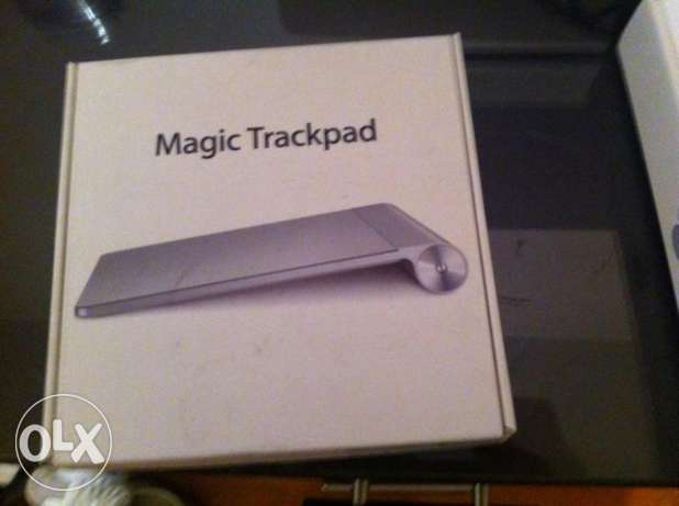 Apple Magic Trackpad & Apple USB Super Drive & Apple Battery Charger
