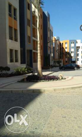 chance to own apartment at compound new cairo 220 mtr simi finshed التجمع الخامس -  1