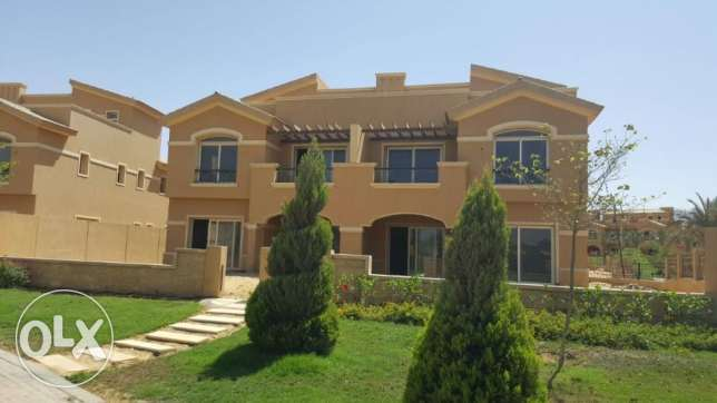 Twin House for sale in Dyar park prime location 365 sqm