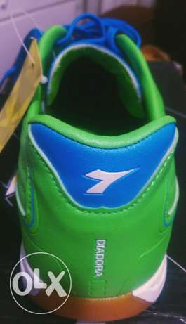 Diadora sport shoes