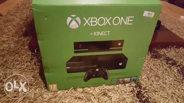 Xbox one 500 GB with Kinect