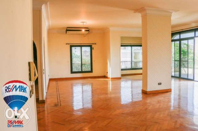 180000$ for sale in sarayat spur lax finished 320 m² flat