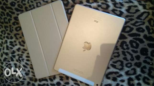 ipad Air2.. LTE.. 128giga.. Gold... Very very good condition