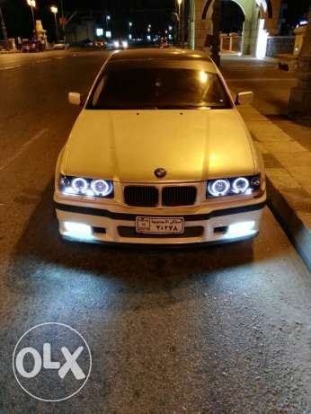 BMW 318iS E36